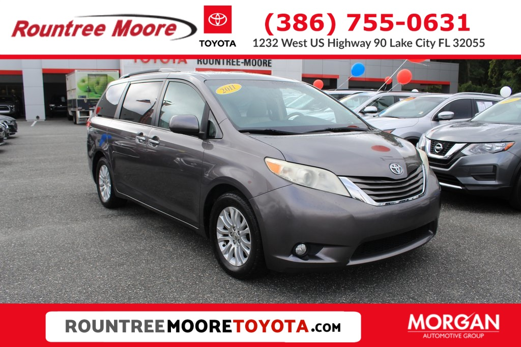 Pre-Owned 2011 Toyota Sienna XLE